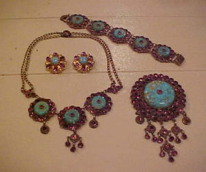 Czechoslovakian necklace,pin,earrings,bracele (Image1)