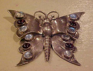 Sterling silver art nouveau butterfly pin (Image1)