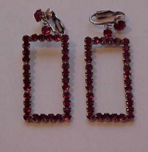 Large dangling red rhinestone earrings (Image1)
