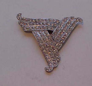 Pot metal and rhnestone dress clip triangular (Image1)