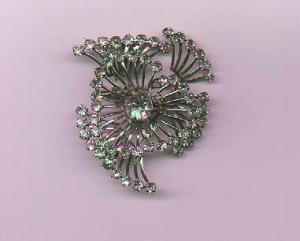 Rhinestone pin with swirl design (Image1)