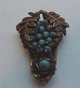 Czechoslovakian green flower dress clip (Image1)