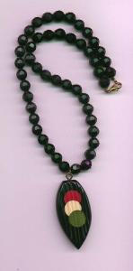 Black faceted plastic bead necklace with bake (Image1)