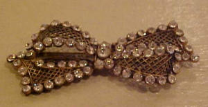 Rhinestone filligree bow pin (Image1)