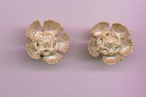 Floral celluloid earrings (Image1)