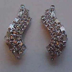 S shaped rhinestone earrings (Image1)