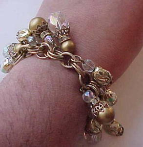 Dangling bead charm bracelet (Image1)