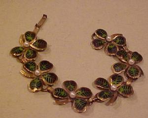 enameled four leaf clover bracelet (Image1)