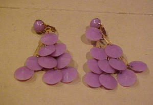 dangling lavender plastic earrings (Image1)