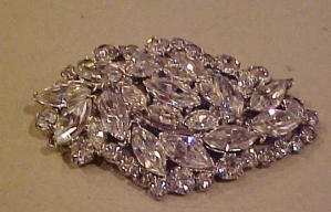Large clear rhinestone pins (Image1)