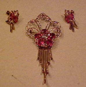 Retro pin and earrings with rhinestones (Image1)