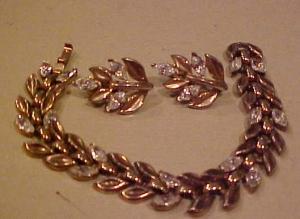 Trifari Bracelet & Earring Set w/rhinestones (Image1)