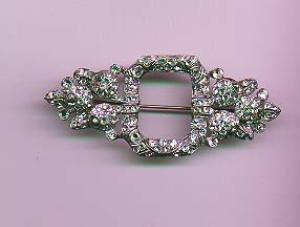 Art Deco rhinestone pin with floral design (Image1)