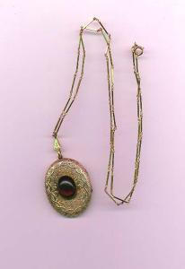 Victorian revival locket on chain (Image1)
