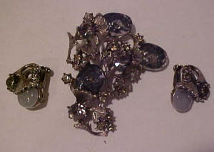 Har rhinestone pin and earring set (Image1)