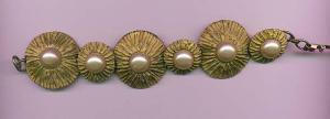 Moselle bracelet with faux pearls (Image1)