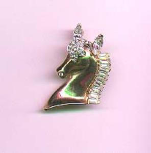 Retro horse pin with rhinestones (Image1)