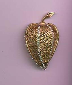 BSK goldtone and rhinestone leaf pin (Image1)