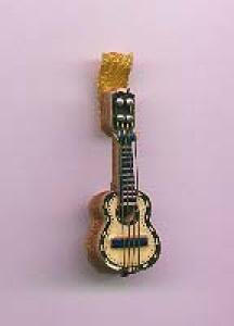 wood guitar pin (Image1)