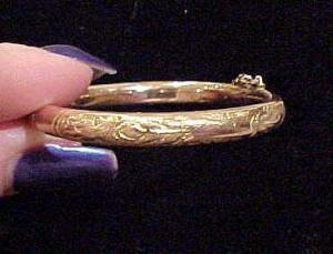 Gold filled child's  bangle (Image1)