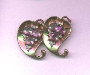 Vermeil pin with lavender and clear rhinestones (Image1)
