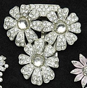Floral dress clip (Image1)