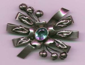 Hobe Sterling bow pin (Image1)