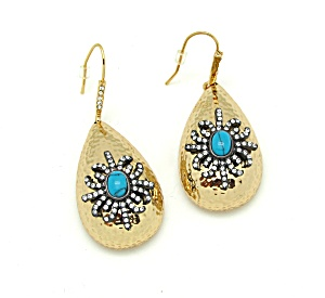 Hammered Earrings with Snowflake Design (Image1)
