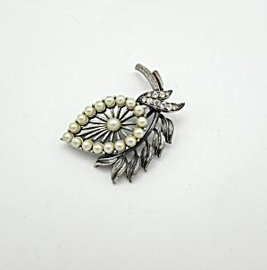 Tortolani Leaf Pin (Image1)