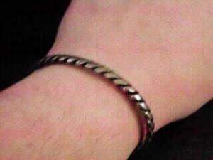 Sterling Silver cuff with twisted rope design (Image1)