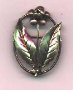 Sterling pin with floral design (Image1)