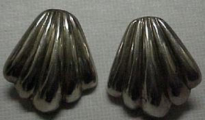 Sterling silver shell design earrings (Image1)