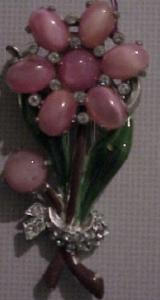 flower dress clip with pink cabachons and rhinestones (Image1)
