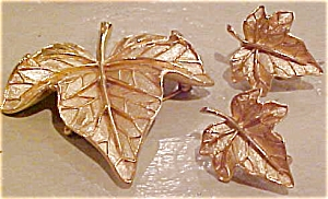 Trifari leaf pin and earrings (Image1)