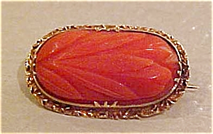 14k gold pin with carved coral (Image1)