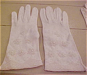Beaded gloves (Image1)