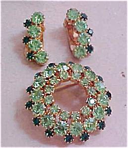 Green rhinestone pin and earrings (Image1)