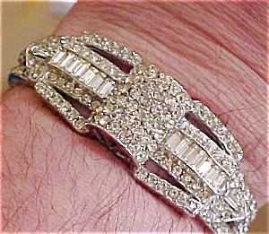 Rhinestone hinged bangle (Image1)