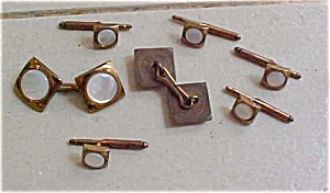 Mother of pearl cufflinks with 5 studs (Image1)