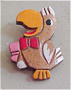 Painted wood bird pin (Image1)