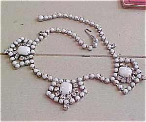 White rhinestone necklace (Image1)