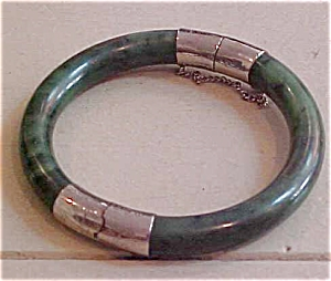 Nephrite bangle (Image1)