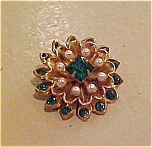 Coro rhinestone and faux pearl pin (Image1)