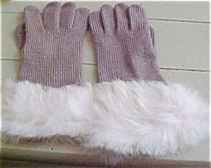 Knit gloves with fur trim (Image1)