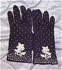 Black gloves with white beads (Image1)