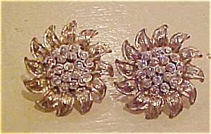 Floral design earrings with rhinestones (Image1)