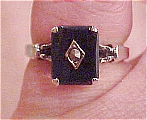 Sterling ring with onyx & marcasite (Image1)