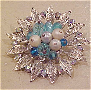 Floral design pin w/faux pearls & rhinestones (Image1)