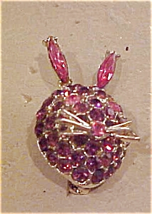 Rabbit head pin with rhinestones (Image1)