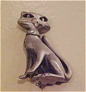 AJC cat pin with rhinestones (Image1)